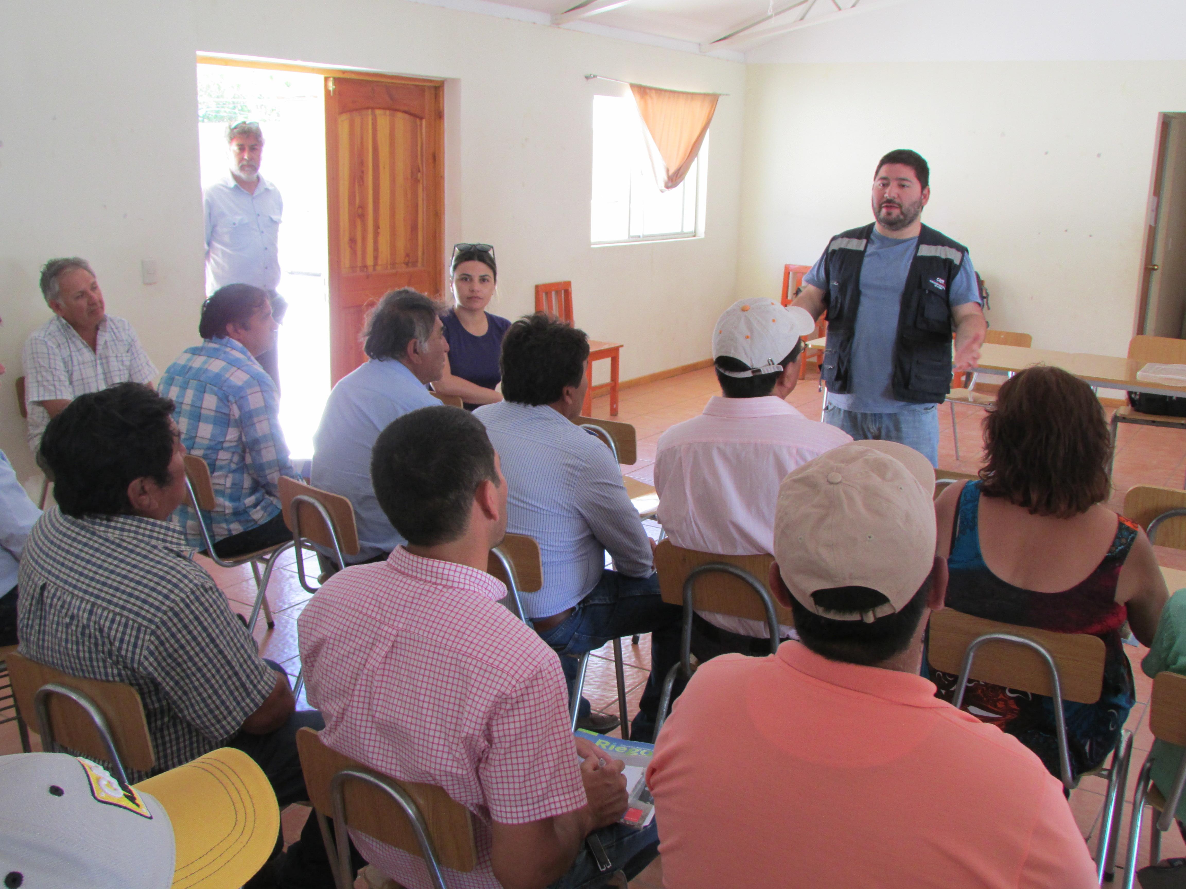 Agricultores del valle de El Tránsito conocen alcances de concurso destinado a rehabilitación de canales afectados por aluviones