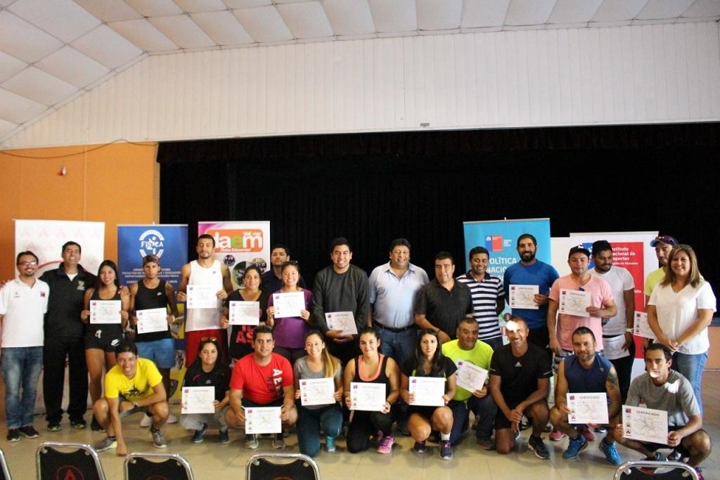 Educadores de la Provincia del Huasco recibieron certificación de Vóleibol en Vallenar