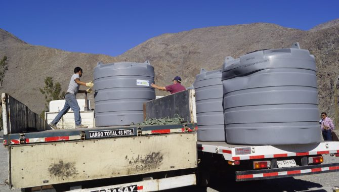 Chollay recibe importante aporte de estanques para agua potable