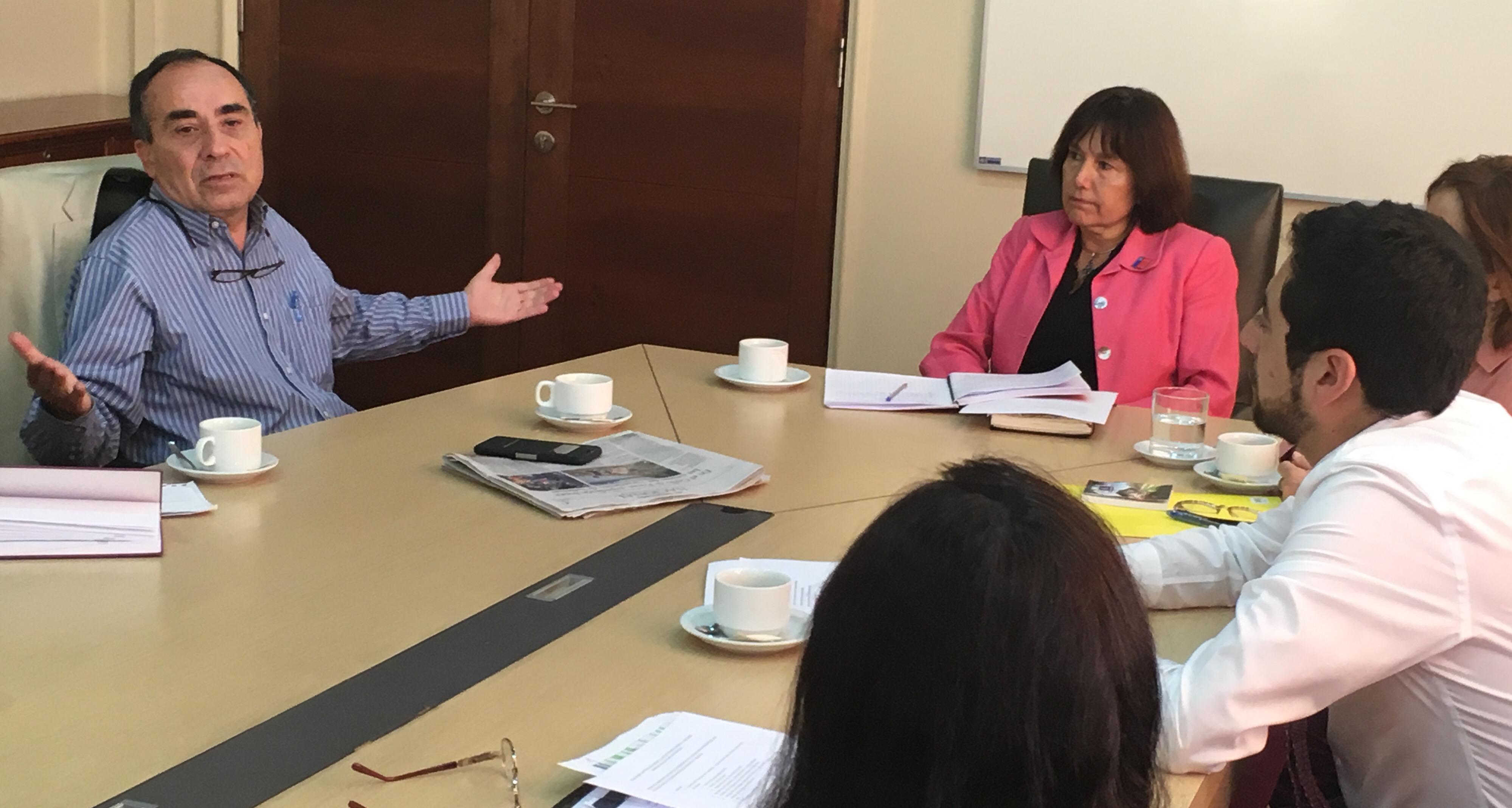 ROBLES SOLICITA A LA MINISTRA DE SALUD BUSCAR NUEVAS FÓRMULAS PARA ATRAER MEDICOS Y ESPECIALISTAS A ATACAMA