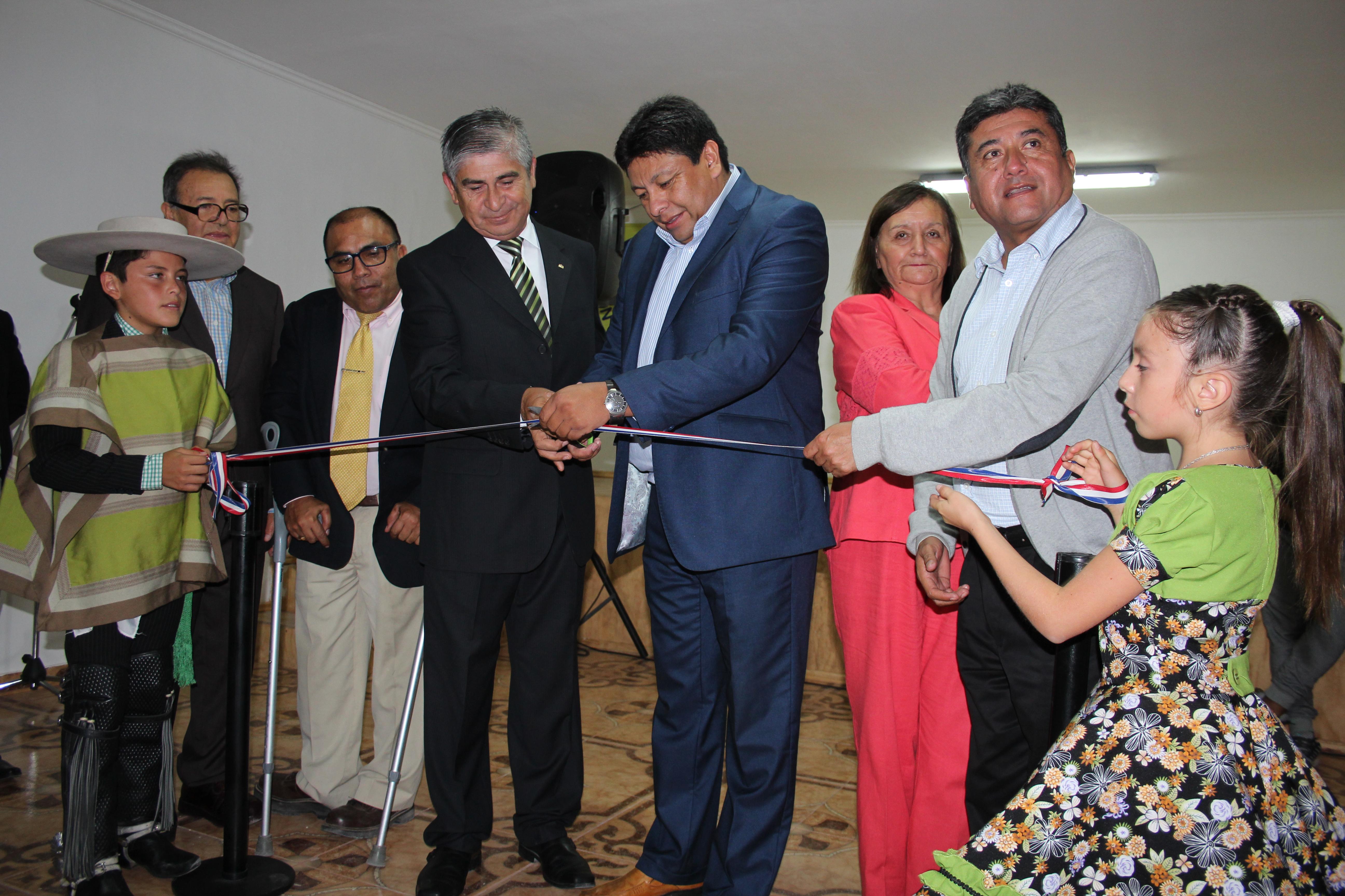 Inauguran remodelación de sede social en población Torreblanca de Vallenar