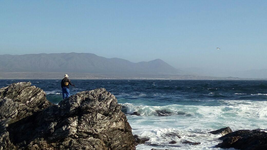 Topos vallenarinos continúan búsqueda de joven desaparecido en Agua de Luna