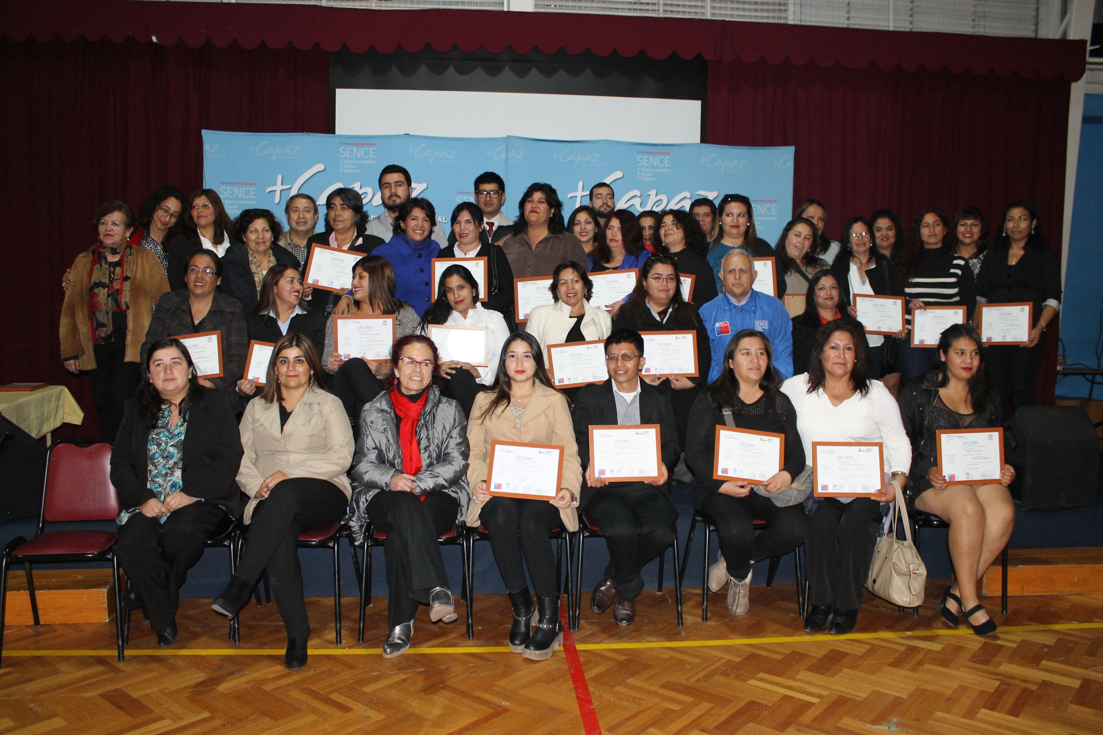 Sence certificó a 21 egresados de manipulación de alimentos del programa +Capaz en Vallenar