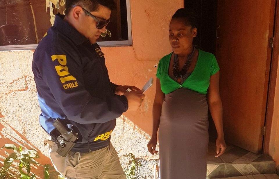 DETECTIVES AYUDAN A CIUDADANA HAITIANA EMBARAZADA EN ALTO DEL CARMEN