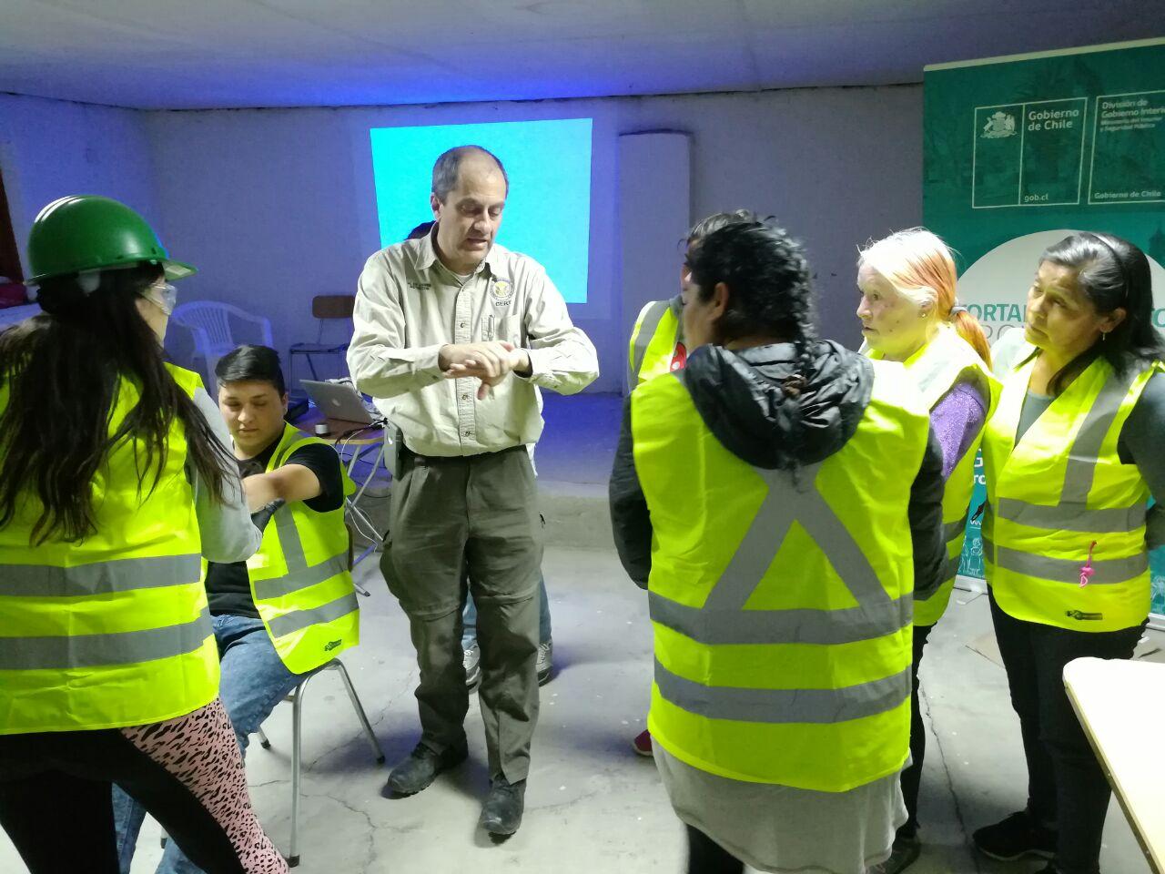Certifican  equipos de emergencia comunitaria