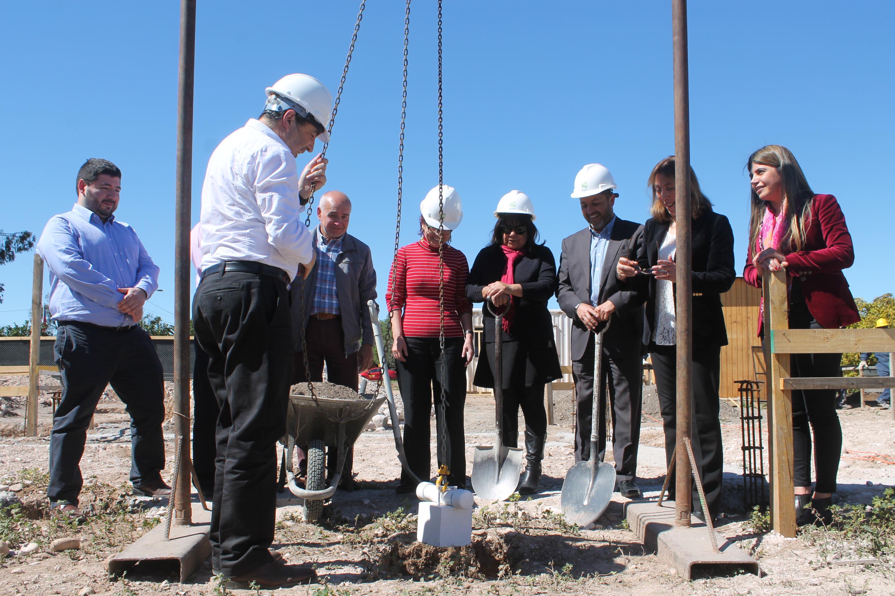 Colocan primera piedra de nuevas dependencias de INIA en Vallenar