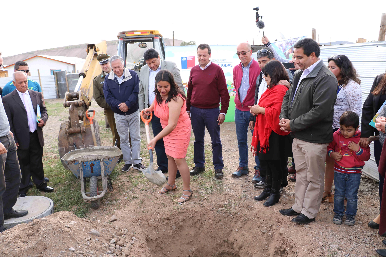 Gobierno inicia construcción de conjunto habitacional en Domeyko