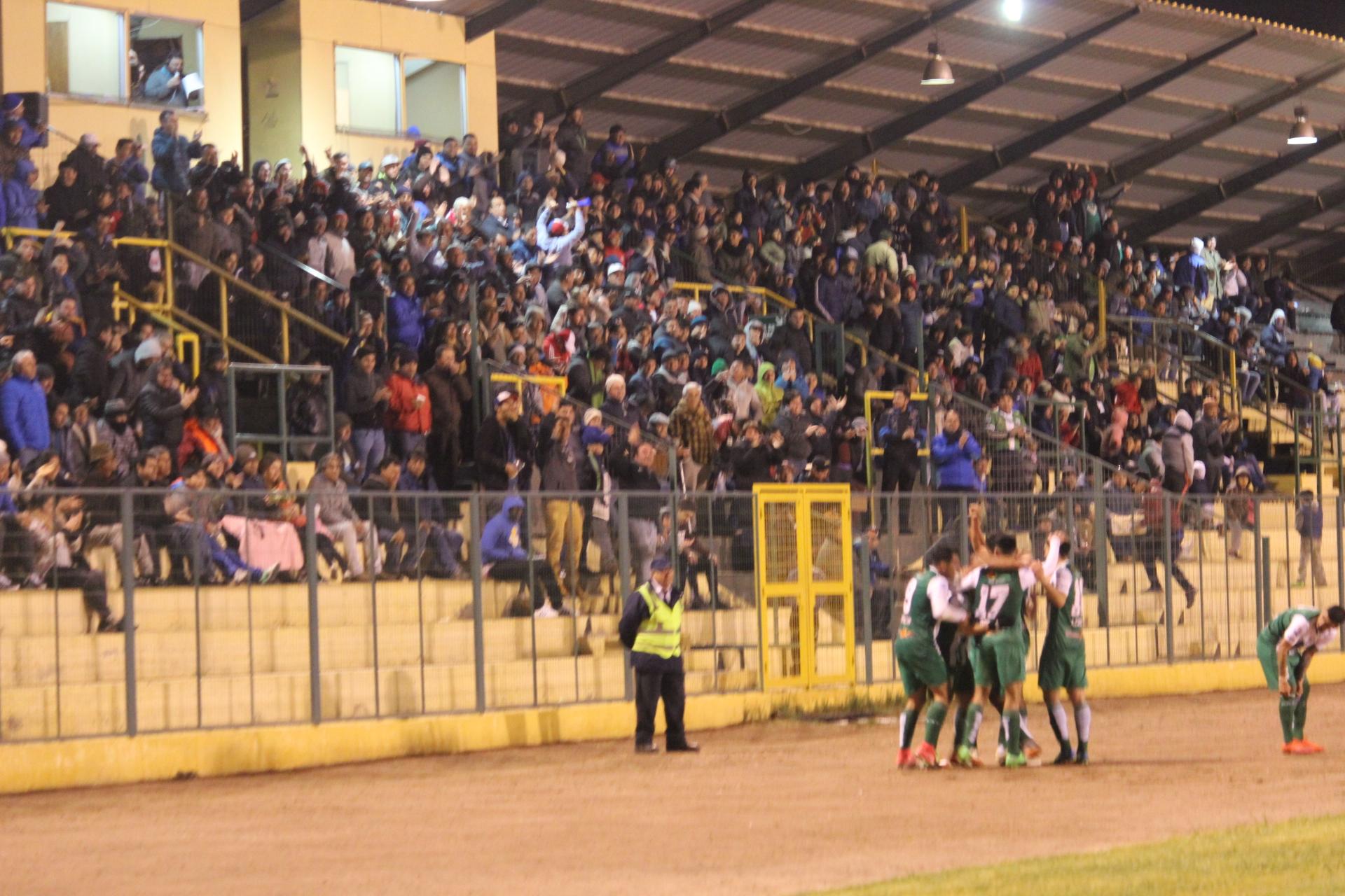 Hoy Deportes Vallenar defiende la punta ante La Pintana