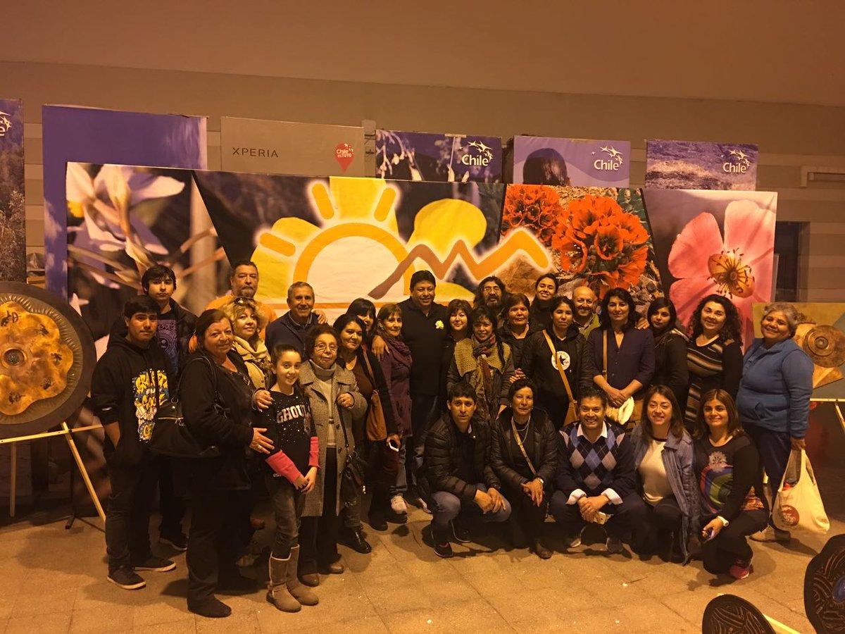 Expositores locales promocionan Desierto Florido en Santiago