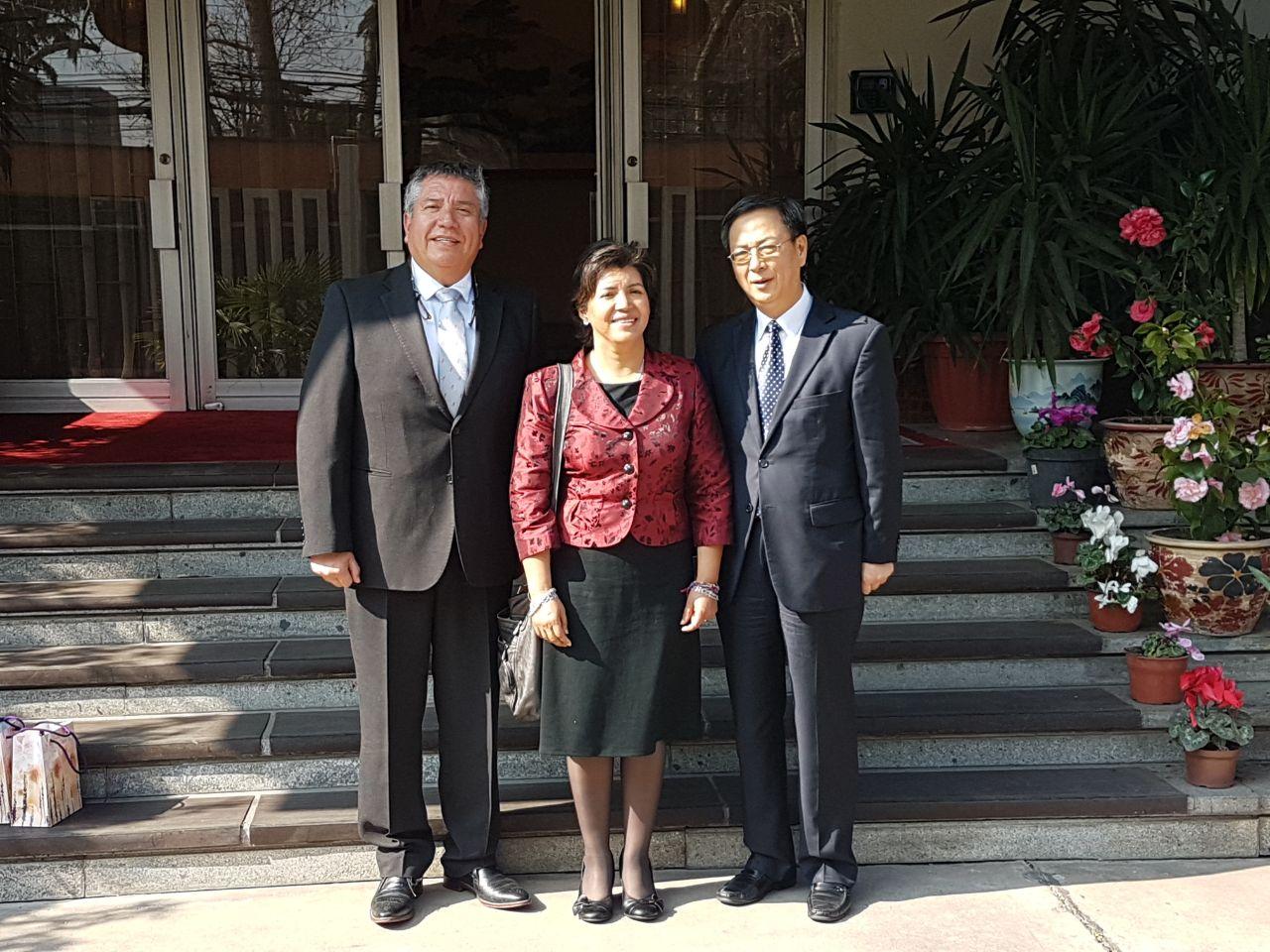 Provoste y Presidente del Core de Atacama se reunieron con Embajador Chino y con Ex Presidente Frei para gestionar corredor ferroviario bioceánico con Argentina