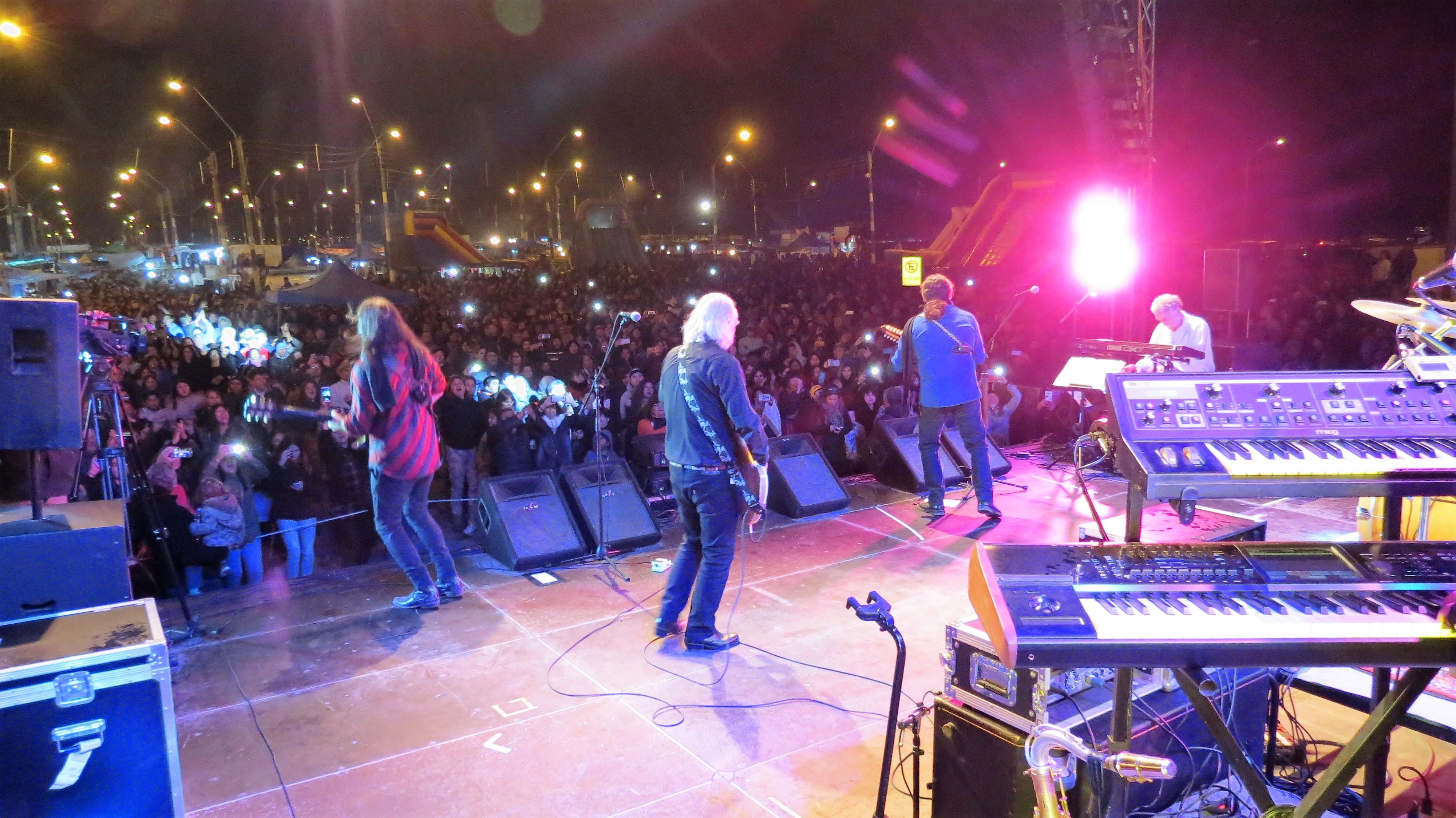 """Los Jaivas y artistas locales celebraron el """"18"""" en Vallenar"""