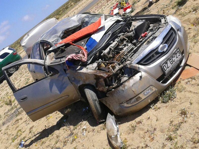 Un adulto y un menor resultan heridos tras volcamiento en ruta entre Huasco y Caldera