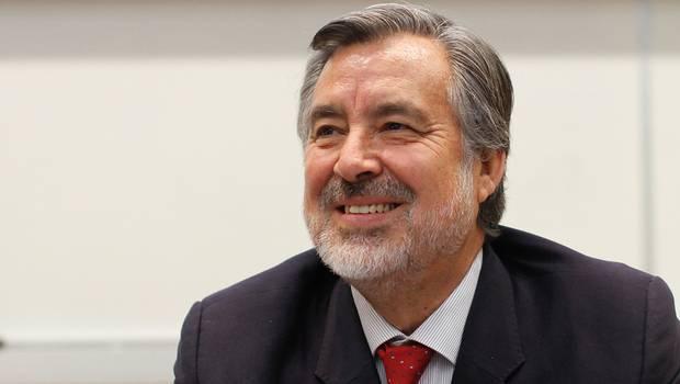 """Guillier descartó """"quiebre"""" entre el PS y el PC por tensión en Atacama"""