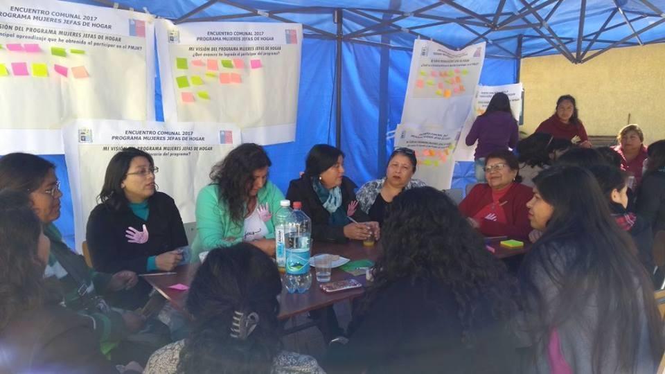 Más de 40 mujeres participaron en encuentro comunal en Vallenar organizado por el SernamEG y el municipio local