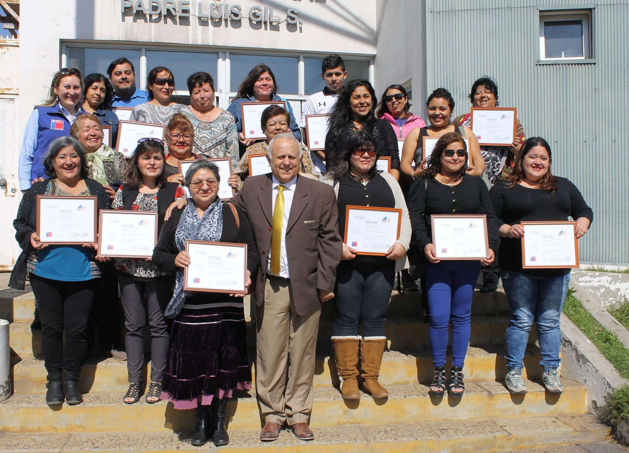 Vecinos de Huasco cuentan su experiencia tras capacitarse en gastronomía y productos del mar