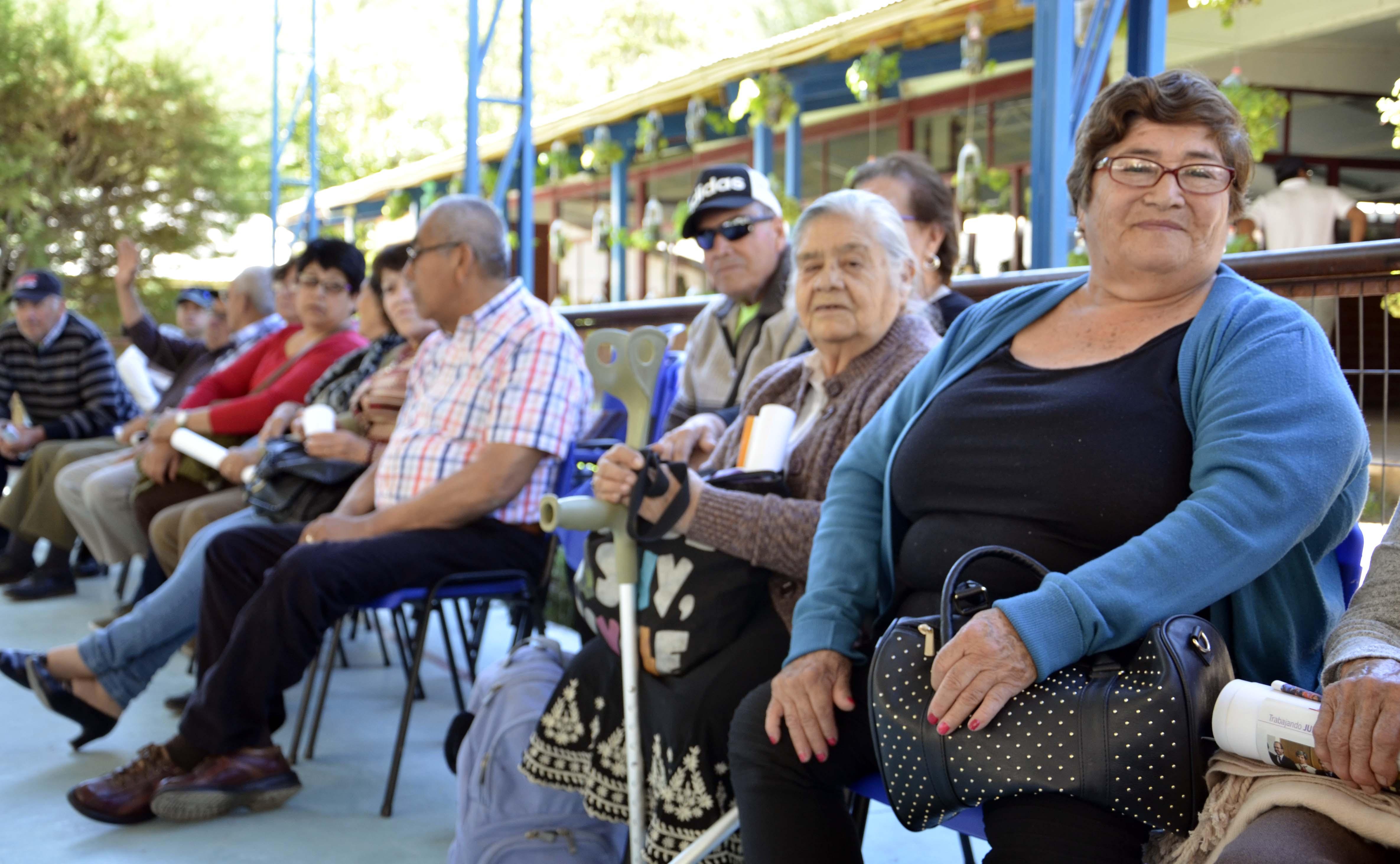 Adultos mayores de Alto de Carmen y sus alrededores disfrutaron de su encuentro anual