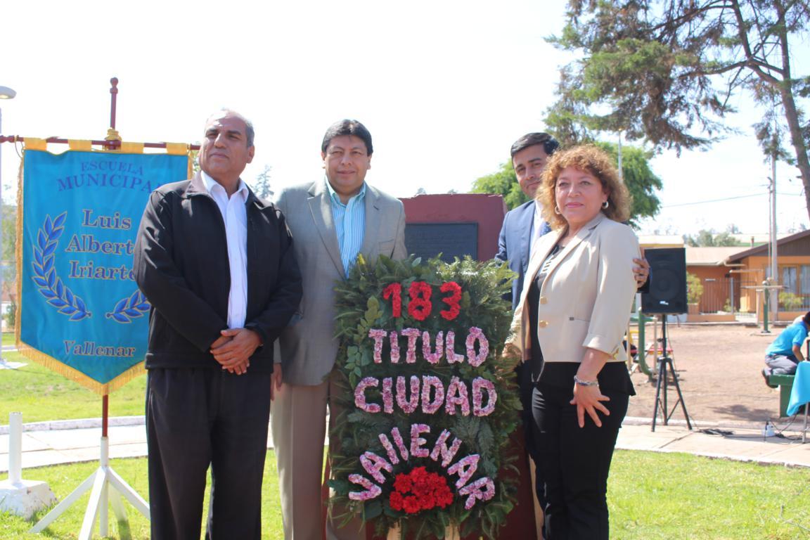 Con poesía, música y una ofrenda floral rinden homenaje a José Agustín Cabezas