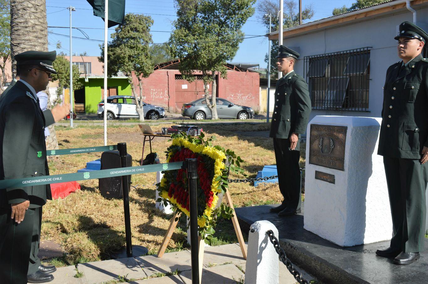 Gendarmería rinde honores a mártir en Vallenar