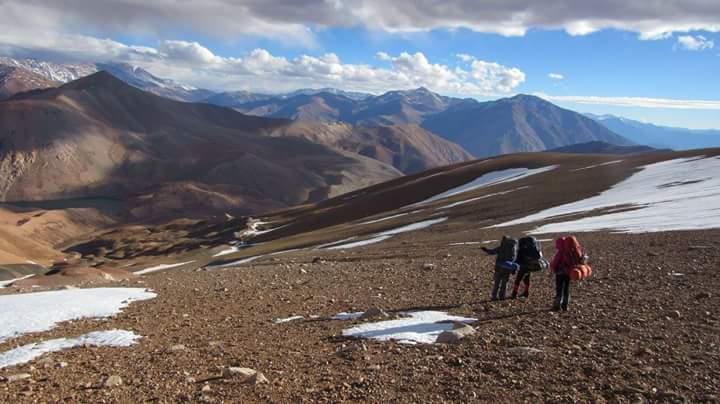 Grupo de excursionistas recorrió durante 5 días trayecto cordillerano a pie (Fotos)