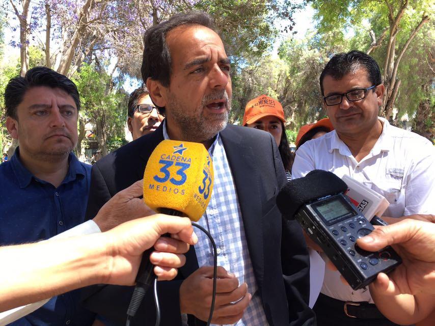 Mulet entrega solicitud formal para pedir al Gobierno locomoción colectiva gratuita en las próximas elecciones
