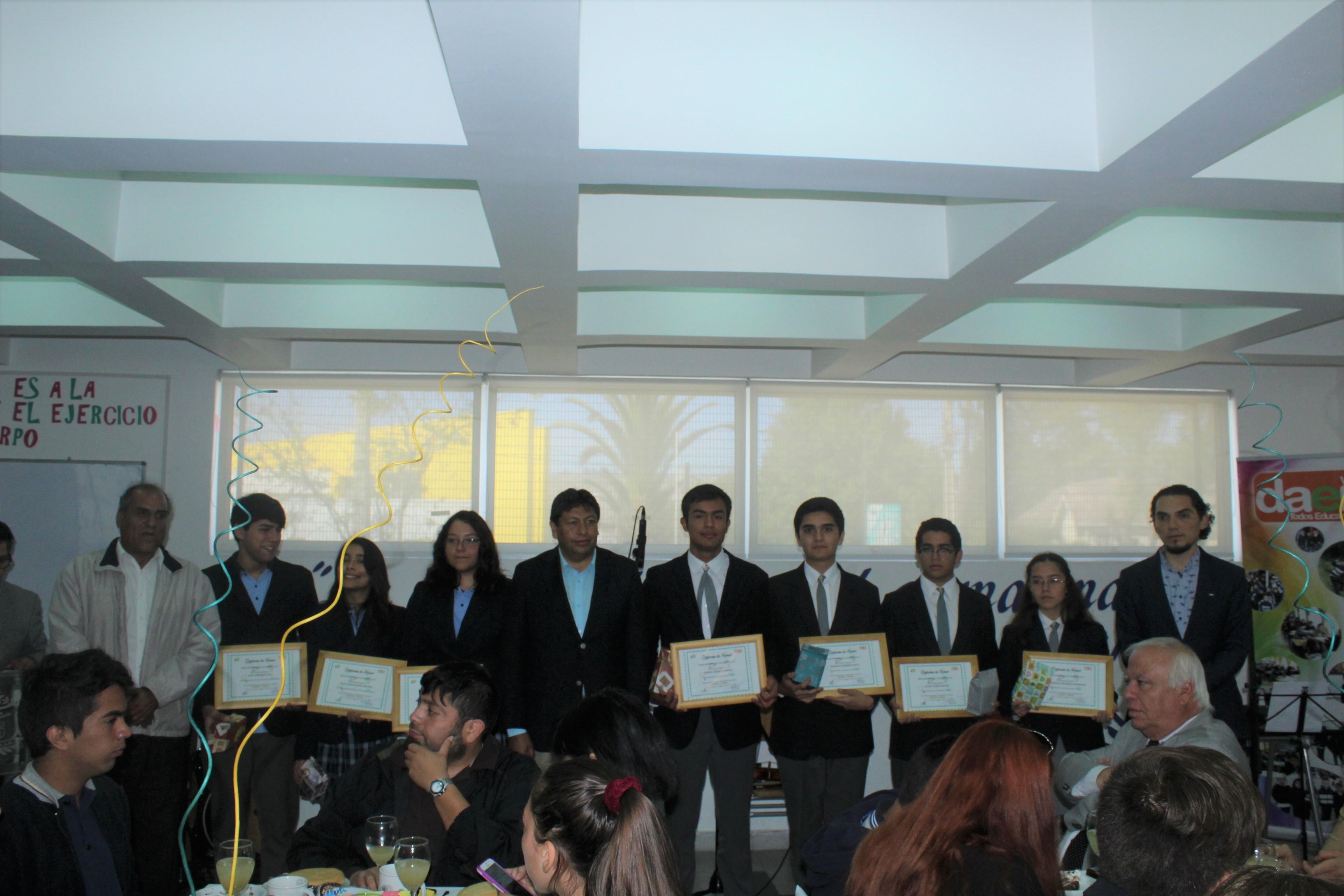 Premian a mejores rendimientos estudiantiles en Vallenar