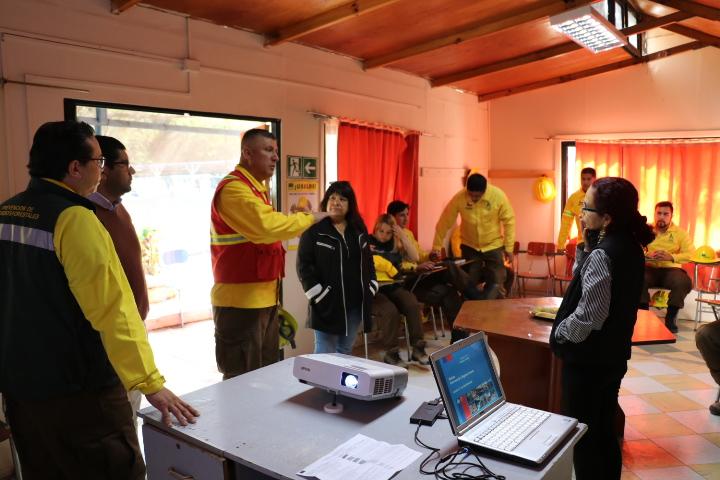 """Inicia sus trabajos brigada """"Chañar 3"""" de Conaf para combate de incendios forestales"""