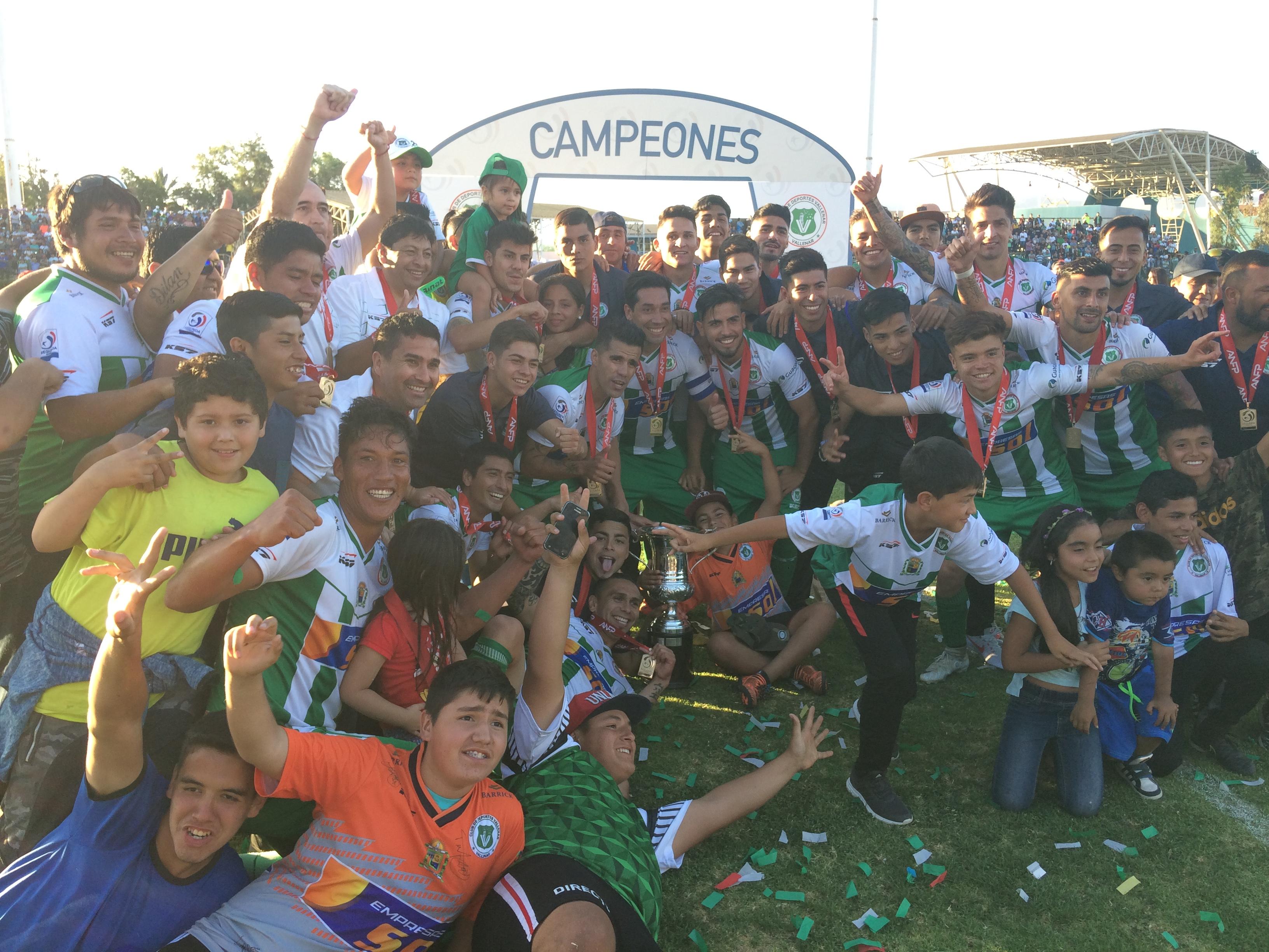 Deportes Vallenar logra el título más importante en la historia deportiva de la comuna (Audios y galería de fotos)