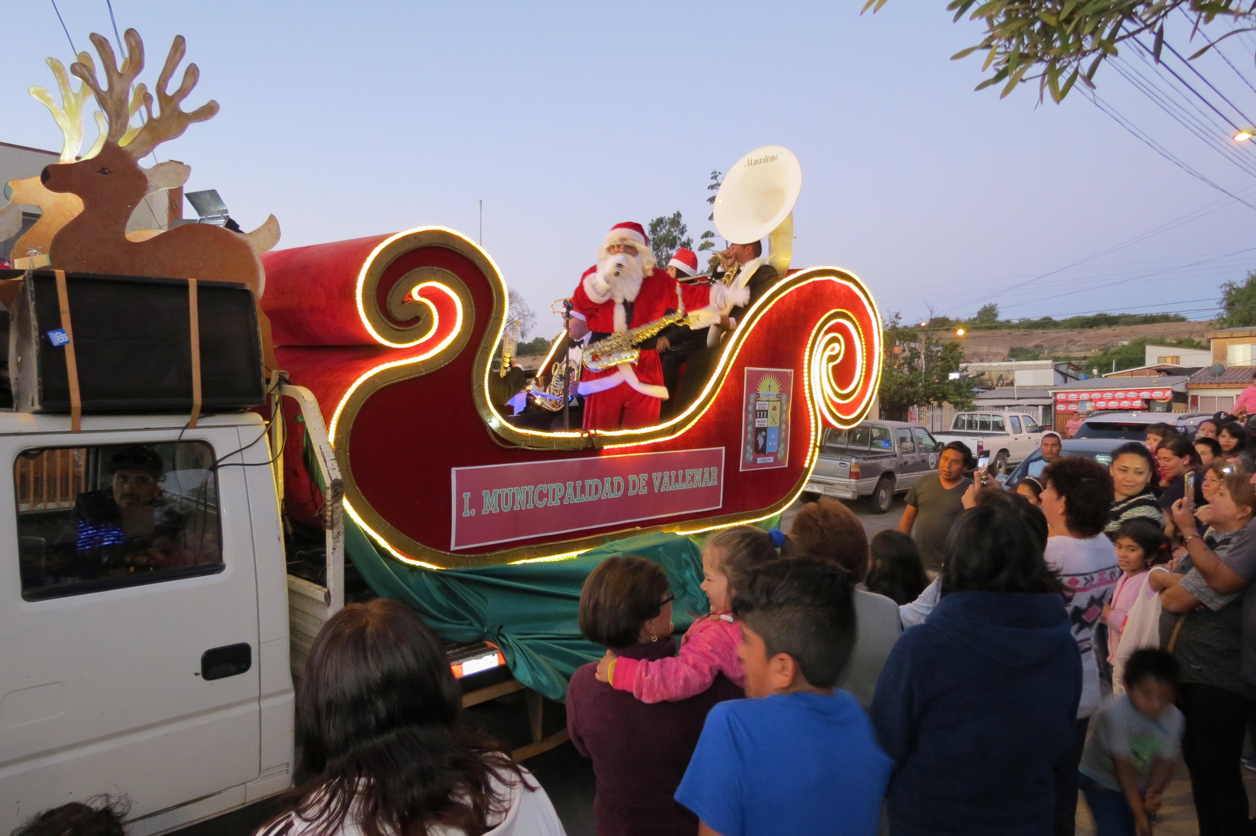 Con encendido de los arboles comienzan las celebraciones de Navidad en Vallenar
