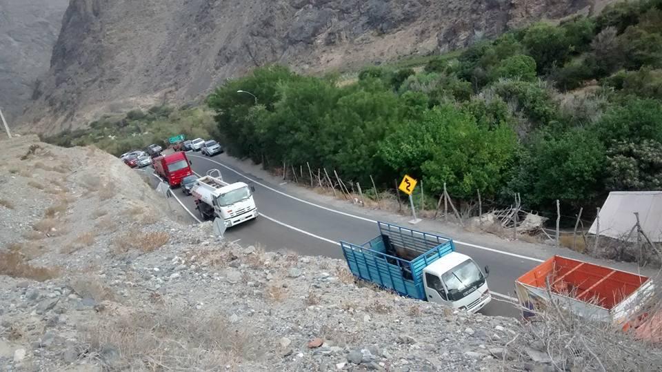 Vehículos de gran dimensión no podrán transitar en horario diurno en la comuna de Alto del Carmen