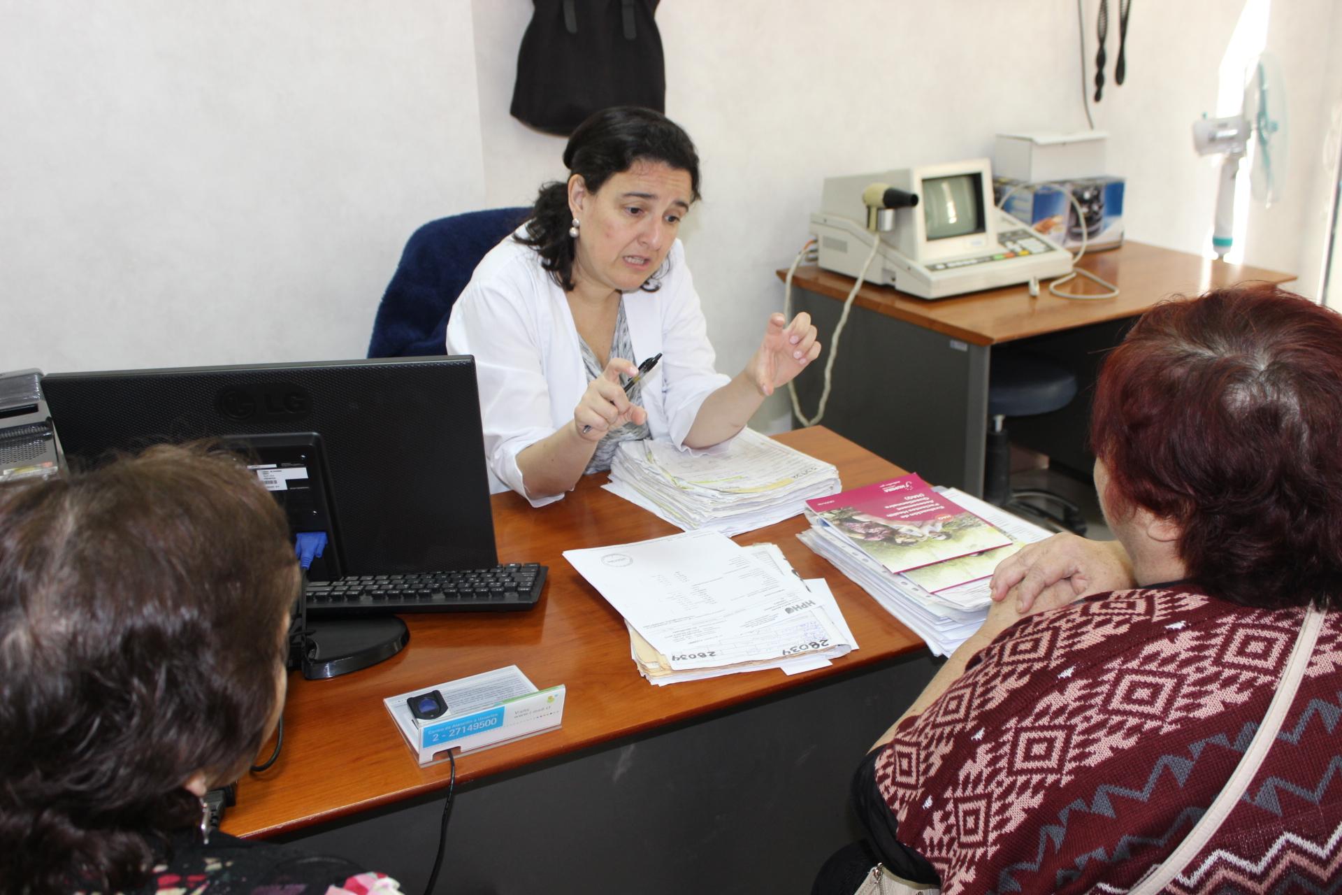 Especialistas de clínica Las Condes realizan evaluaciones médicas y asesorías en HPH