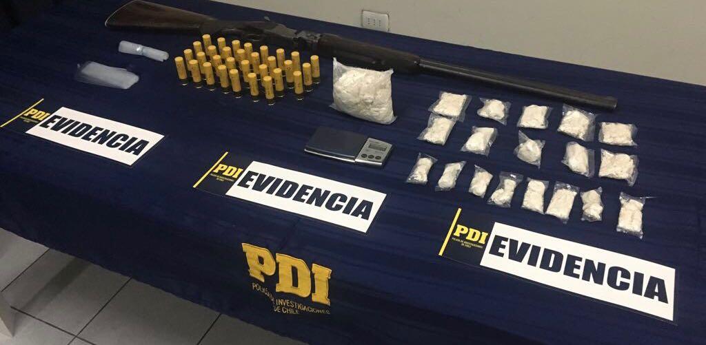 PDI detiene a sujeto con escopeta y casi un kilo de cocaína base