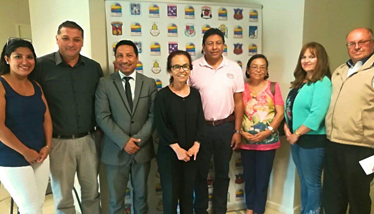 Alcaldes de Atacama se reúnen con Intendenta regional