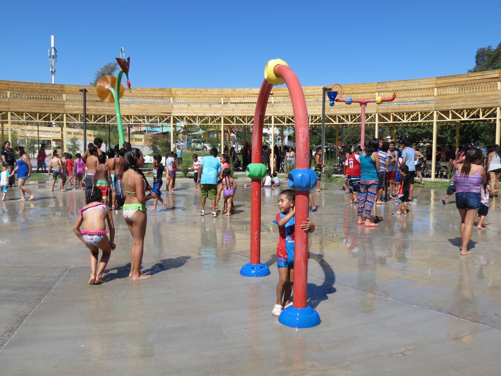 Entregan programa de actividades de verano en Vallenar