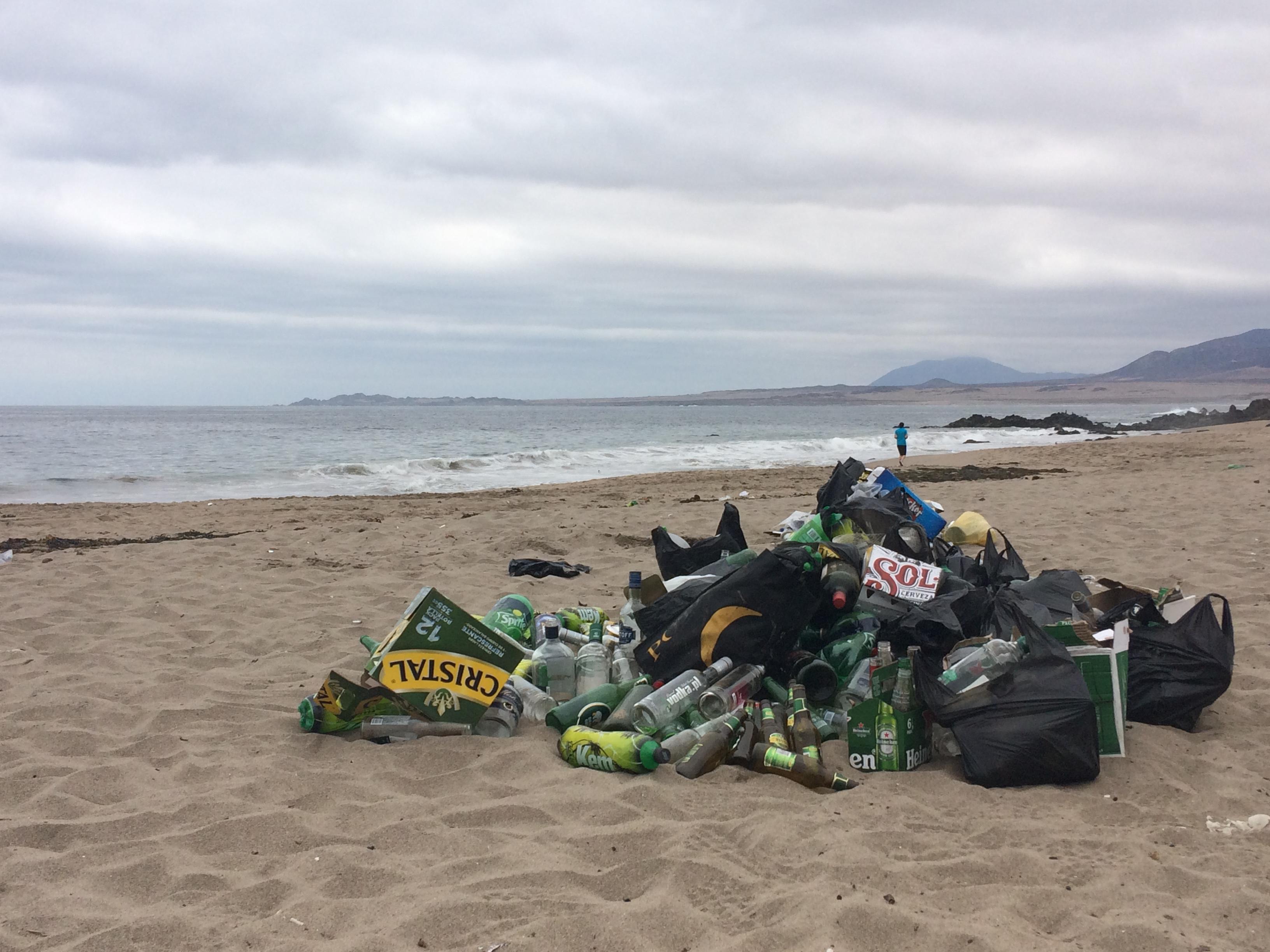 Molestias por suciedad que dejan fiestas en litoral huasquino