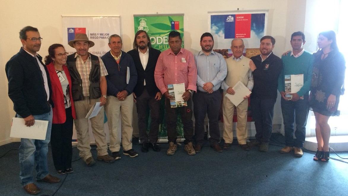 Entregan bonos para rehabilitar canales que benefician a más de 150 agricultores de la Provincia de Huasco