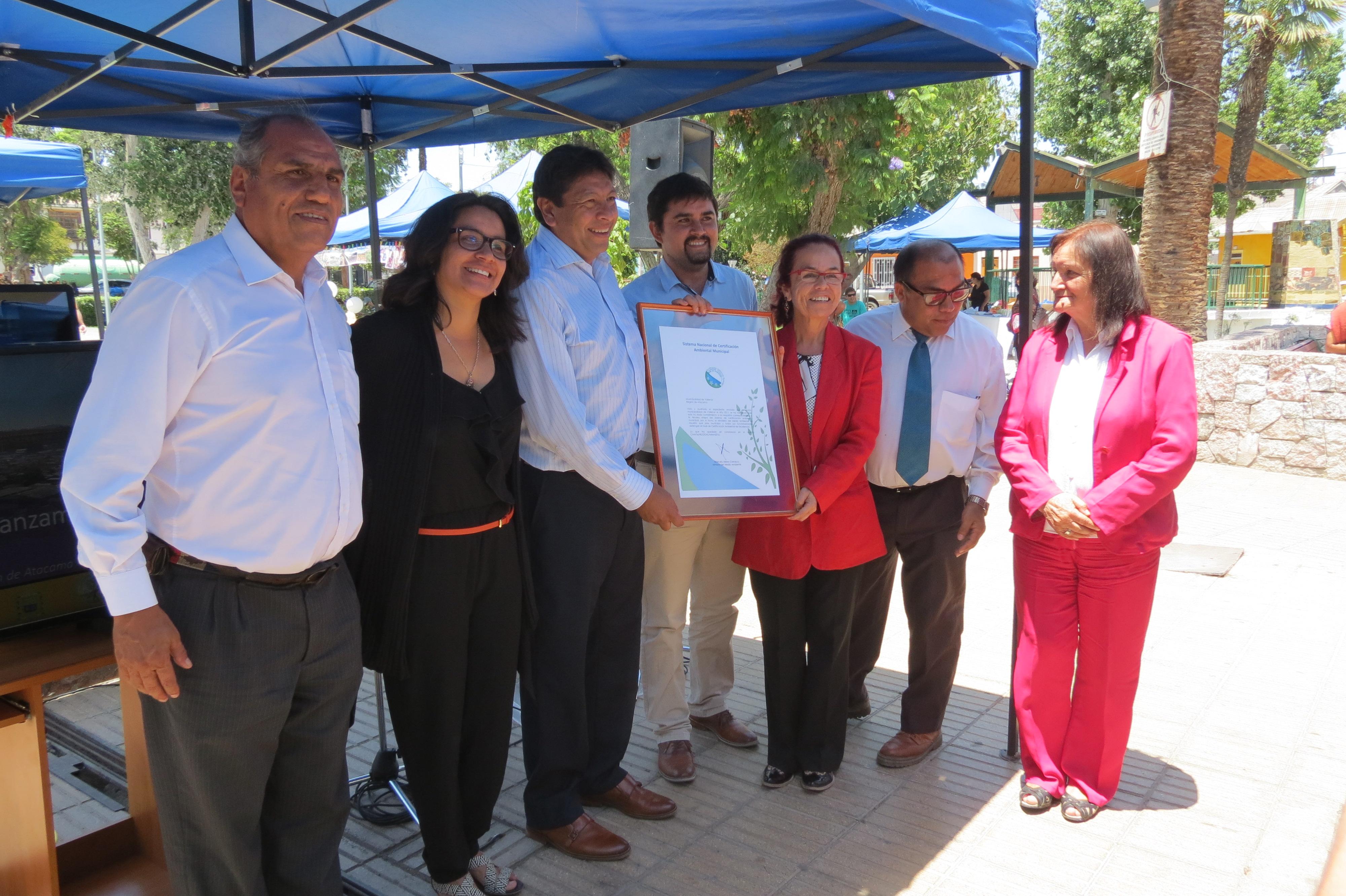 Municipio de Vallenar recibe certificación ambiental de excelencia