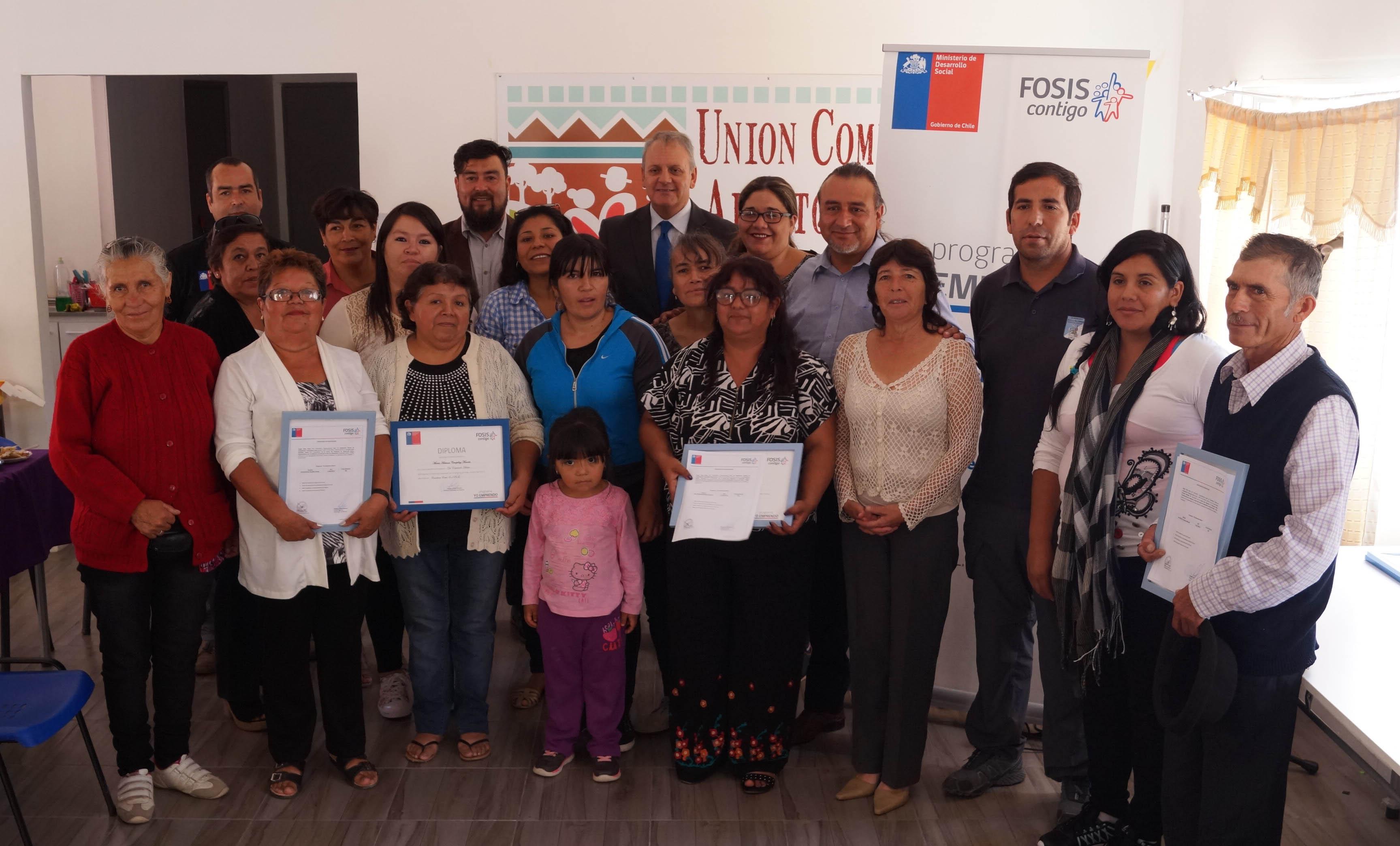 Emprendedores de Alto del Carmen egresan de programa del FOSIS