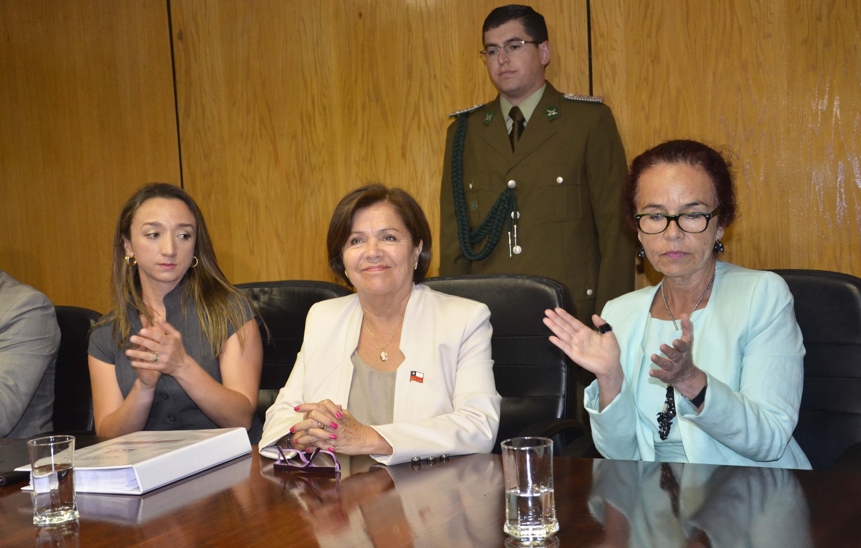 Asumió nueva Intendenta de Atacama y hoy se conocería el gabinete regional