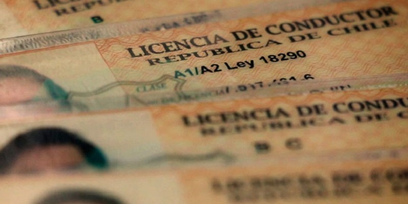 """Entregan antecedentes por """"cuento del tío""""  sobre licencias de conducir falsas en Vallenar"""