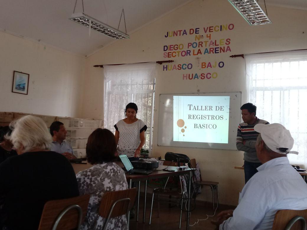 Apoyados por INDAP agricultores de Huasco se capacitan en registro básico de predios