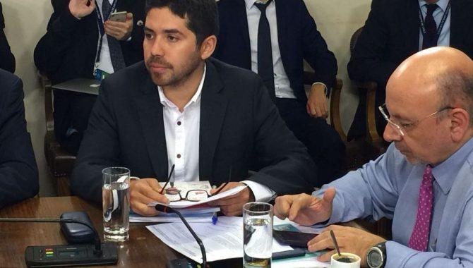 """Diputado Santana: """"Le pediremos al ministro de Hacienda un aumento presupuestario para bomberos"""""""
