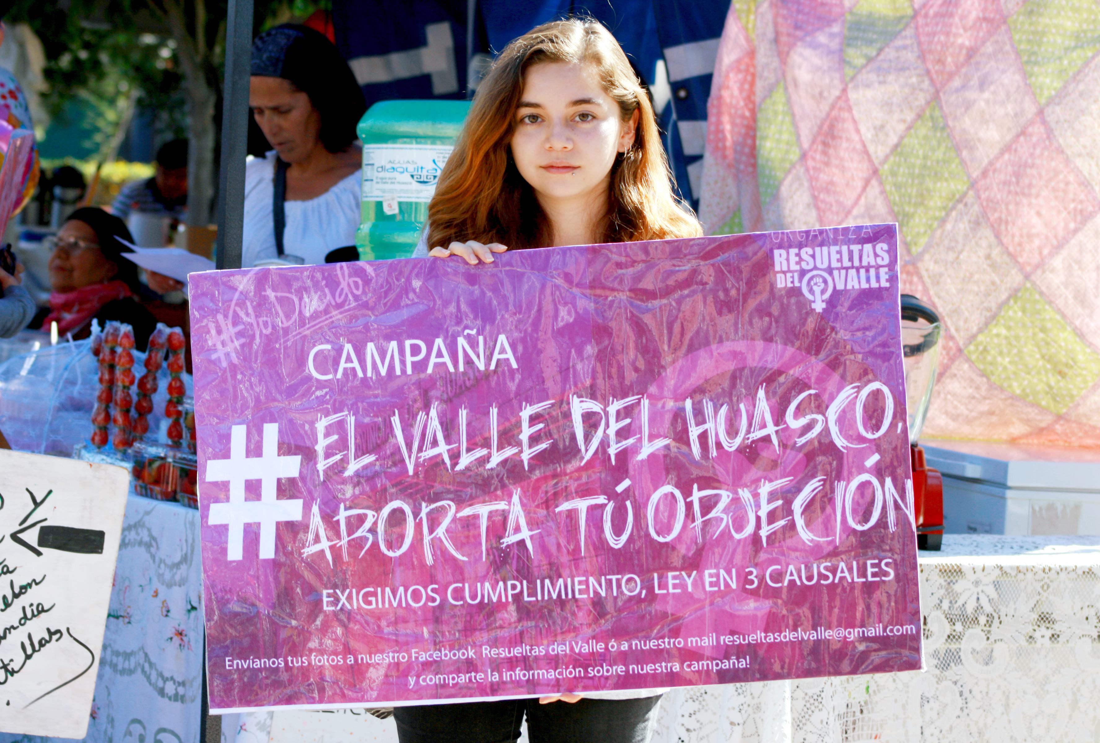 """Agrupación """"Resueltas del Valle"""" realiza marcha contra violación y piden que se cumpla ley de aborto en hospital"""
