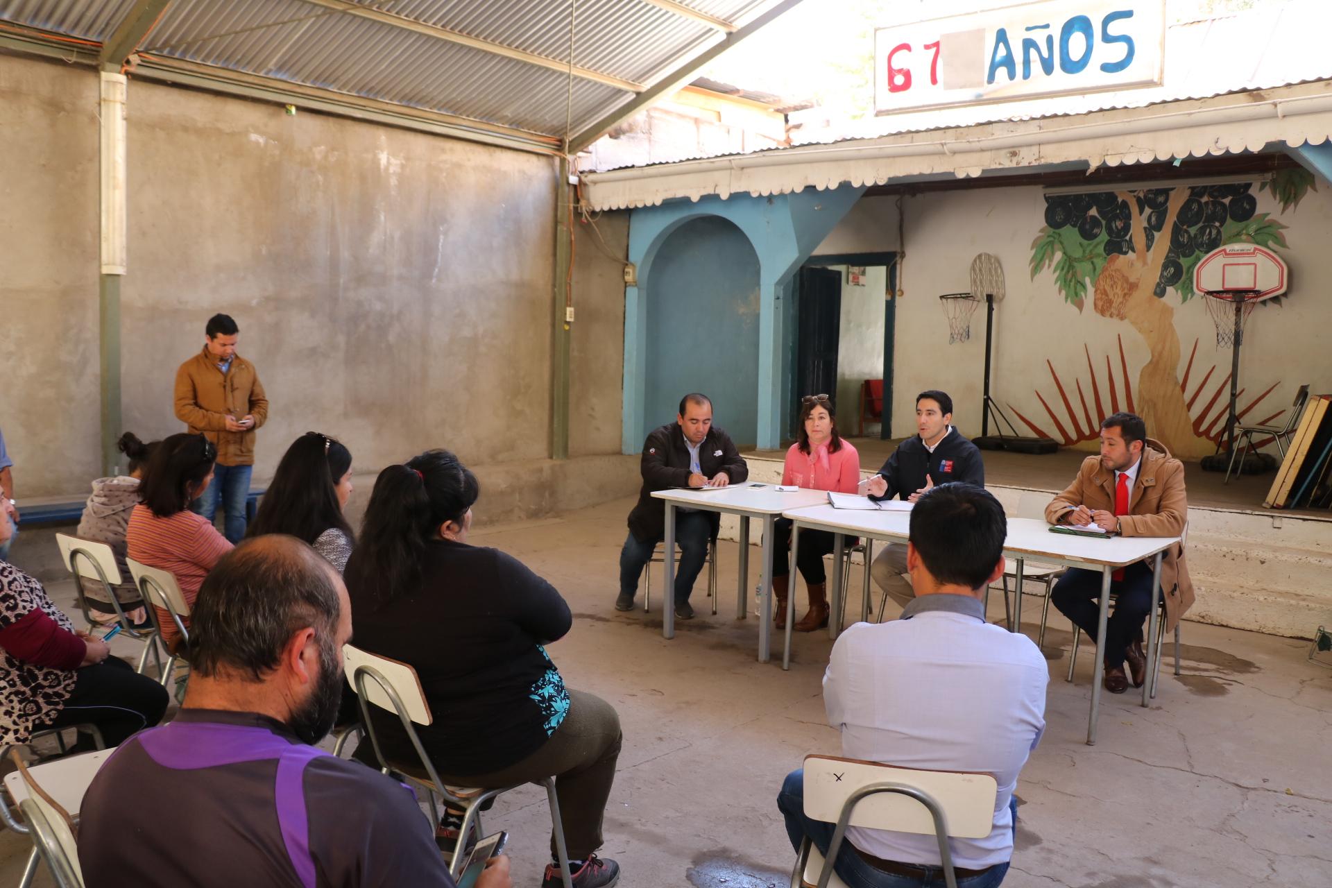 Vecinos dan a conocer principales demandas de San Félix: alcantarillado, pavimentación de caminos y calles