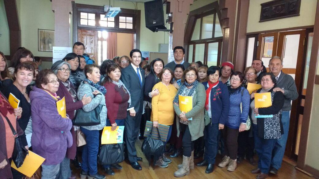 Gobernador del Huasco realiza llamado a la comunidad a informarse y a participar  de  oferta programática del Gobierno de Chile