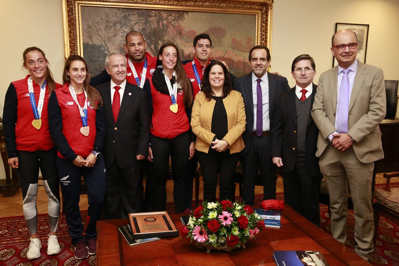 """Mulet (FREVS) encabezó homenaje al """"team Chile"""" por la destacada participación en los juegos suramericanos de Cochabamba"""