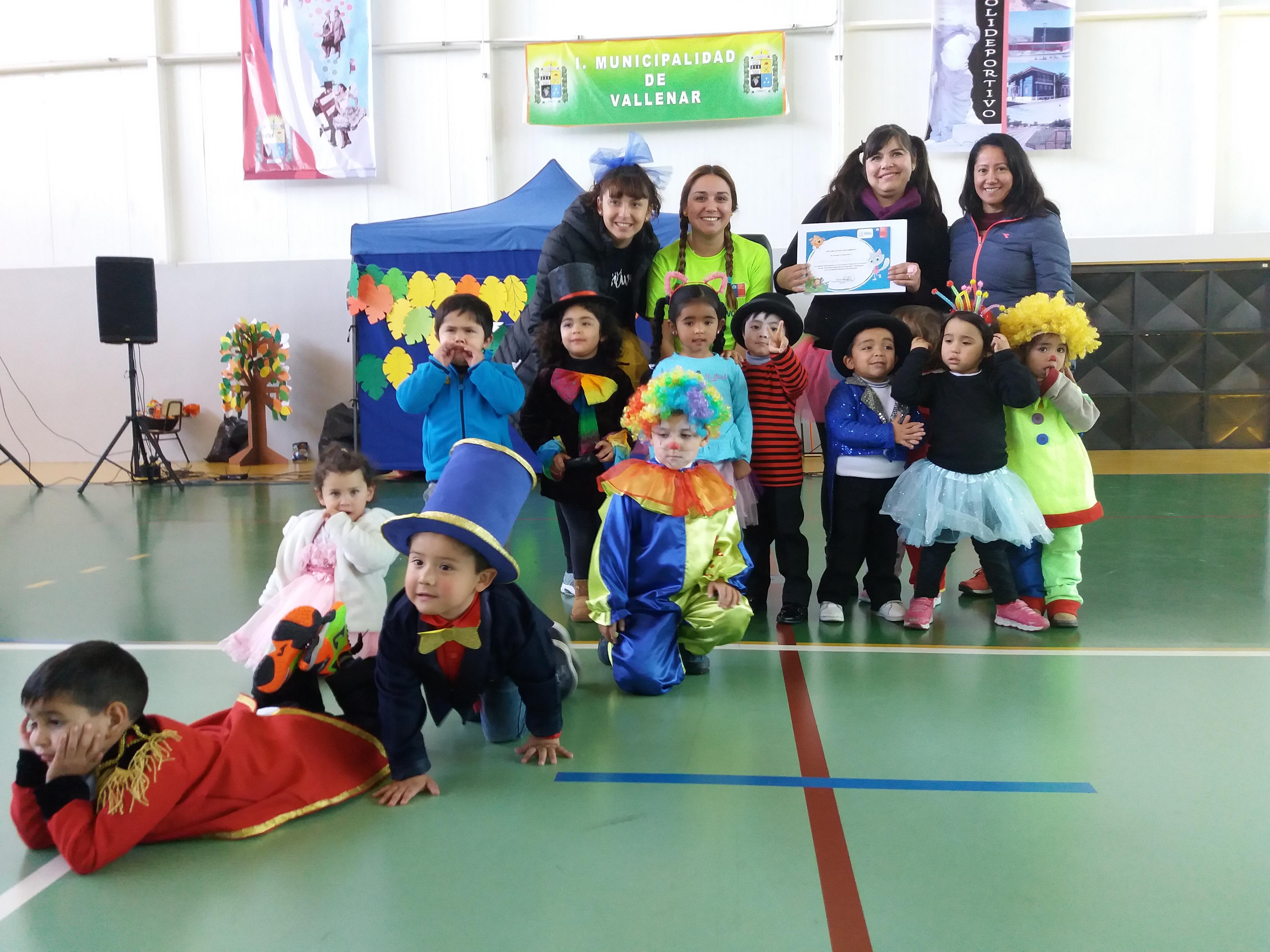 Niños y niñas Eligen Vivir Sano realizando actividad física