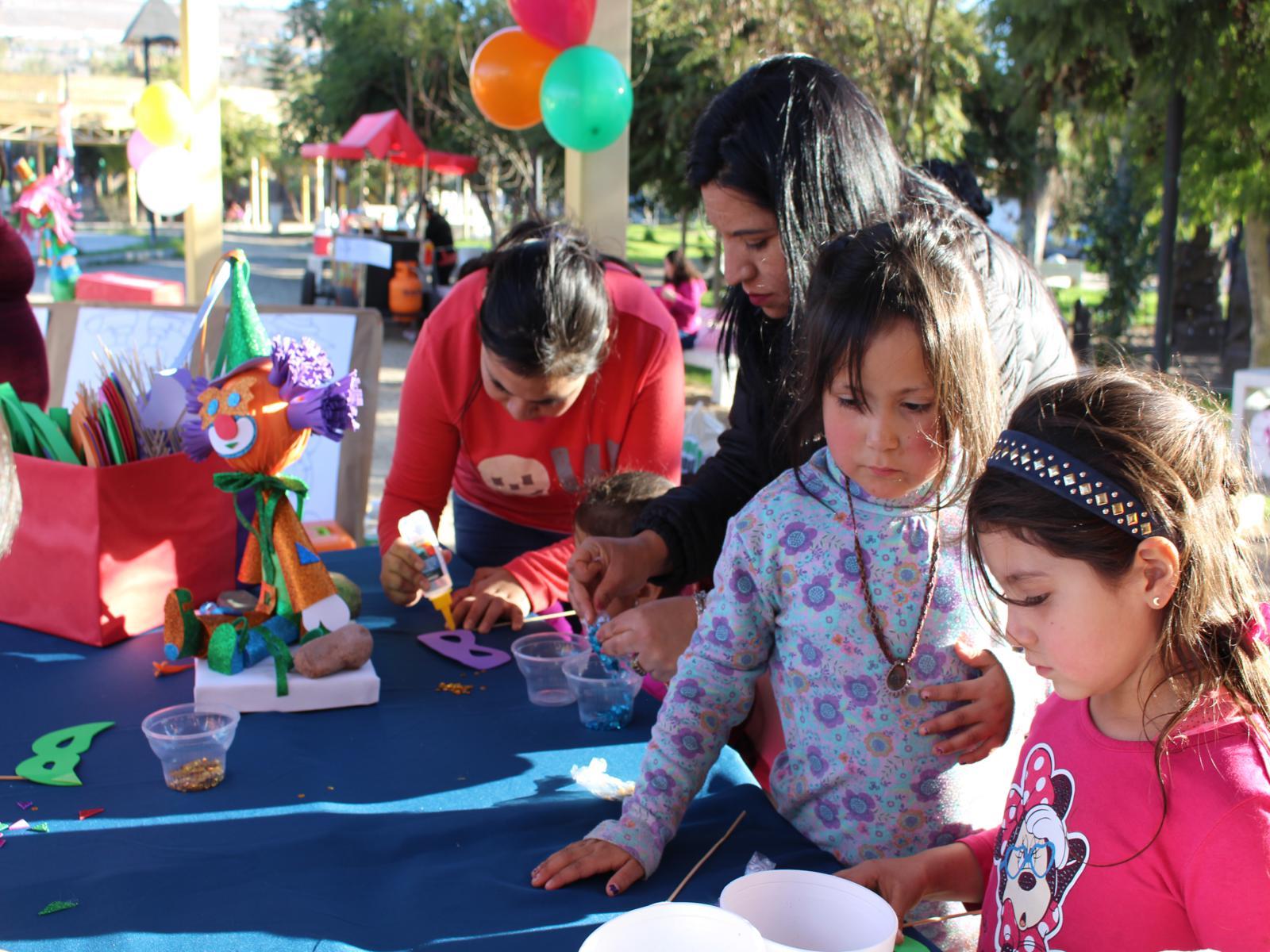 Niños y adultos participan en Programa de Vacaciones de Invierno en Vallenar