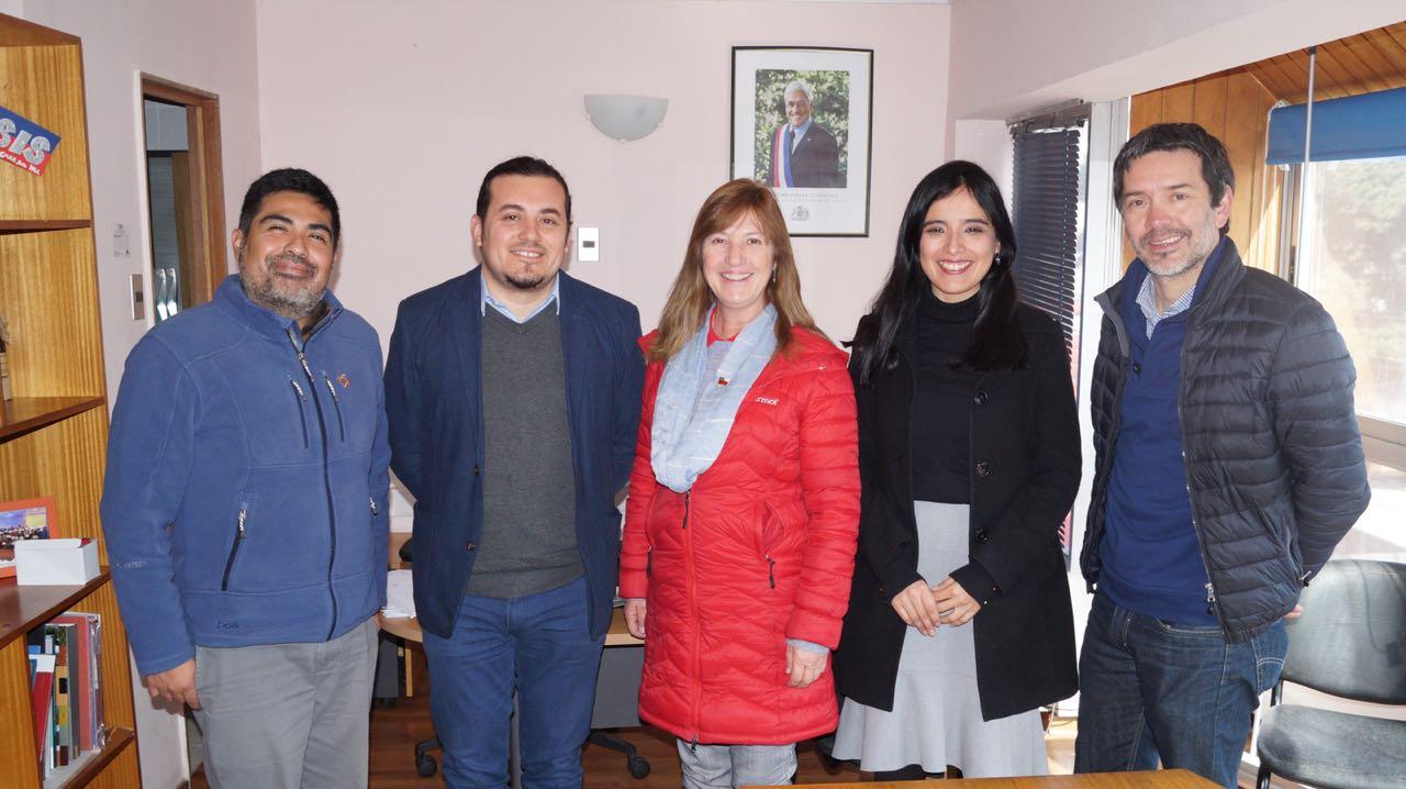 Coordinan trabajo conjunto en apoyo de las mujeres de Atacama