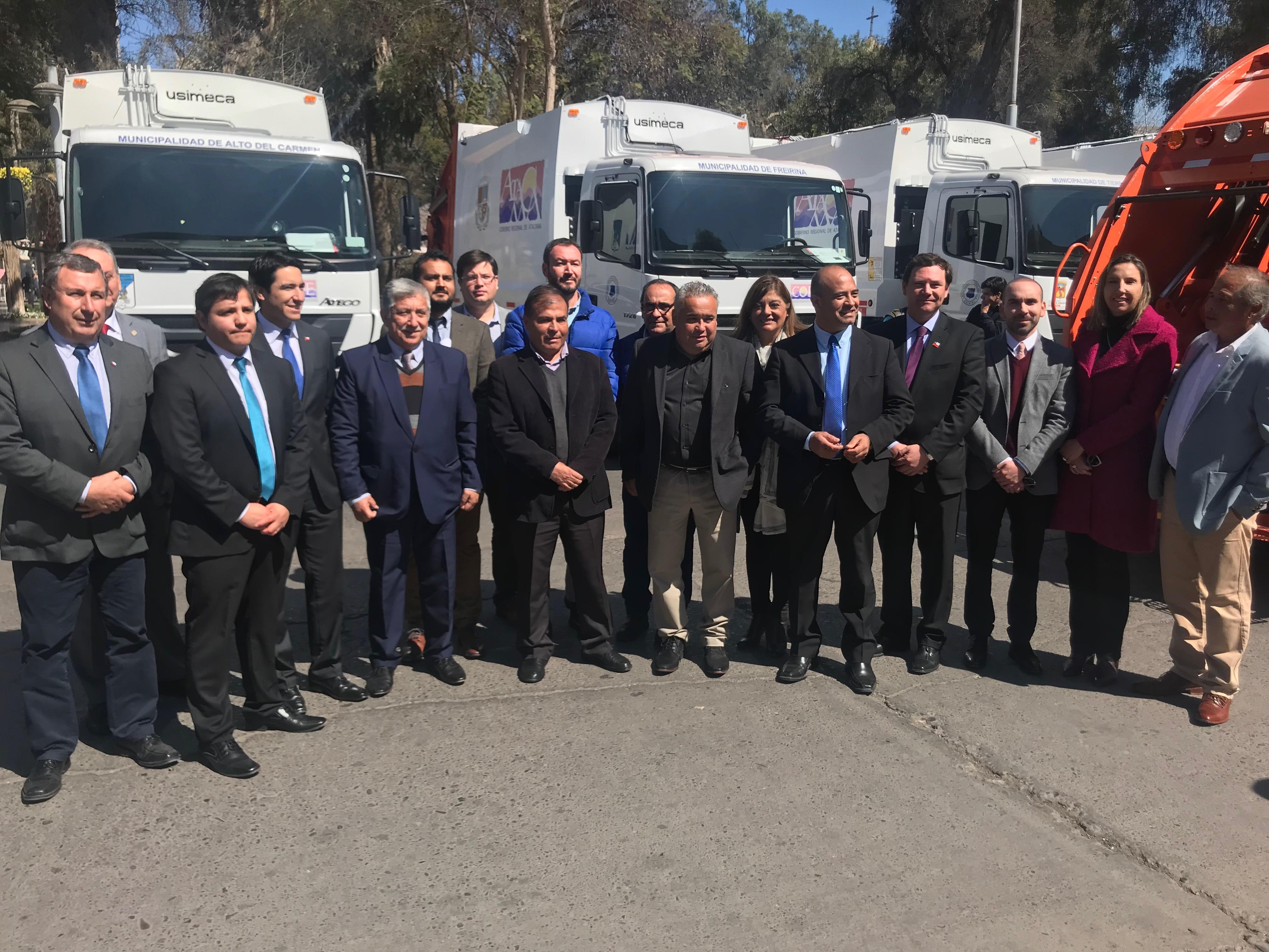 Gobierno Regional entregó camiones recolectores para renovación de flota en distintas comunas de la región
