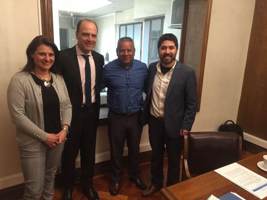 Diputado Juan Santana se reunieron con ministro de Vivienda